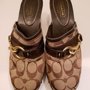 Coach Brown Signature Sutton Mules